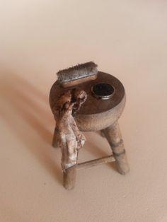 Miniatures, shoe polishing set | Limpiazapatos escala 1/12