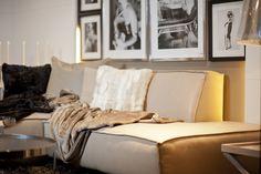 Beige kombiniert mit der Farbe Schwarz und Weiß schafft eine wohlige Atmosphäre. Fotocredits: FINE Couch, Bed, Furniture, Home Decor, Farmhouse Rugs, Throw Pillows, Velvet, Blanket, Houses