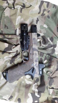 "G17, AA rmr mount, RMR, X300V, 5KU Lantac N9NE barrel, 5KU compensator, guarder thumbrest, ""speedplate"" magbase, grip reduction, triggerguard undercuts, acceleration cut, full grip and triggerguard stippling,front slide serrations. Stippling, Undercut, Edc, Hand Guns, Barrel, Projects, Accessories, Firearms, Log Projects"