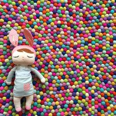 Image of 100cm Feltball Rug - Rainbow Mix