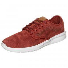 Die perfekte Kombination aus Eleganz und Sportlichkeit #vans #sneaker #style