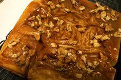 Coffee shops, food and stuff: Sweet sticky honey cinnamon buns