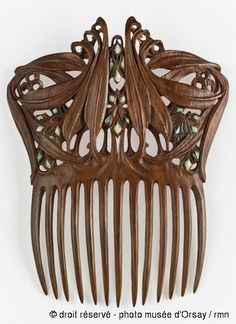 Hair Comb, Paul Follot; wood and nacre; between 1905 &1910 | musée d'Orsay, Paris, France