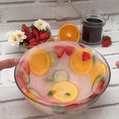 Let's get ready to rumble! We have your summer drink sorted! Köstliche Desserts, Dessert Recipes, Health Desserts, Jelly Desserts, Twisted Recipes, Food Carving, Rainbow Food, Food Garnishes, Food Decoration