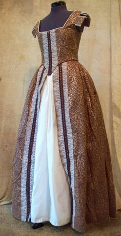 the_garbery: Middle Class Elizabethan Gown For Sale on Etsy