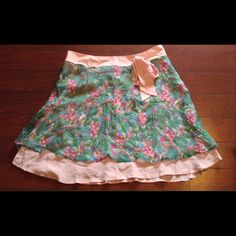 Pretty in pink flirty skirt! Adorable Lilly-esque skirt in like new condition! So flirty and feminine! tessuto Skirts