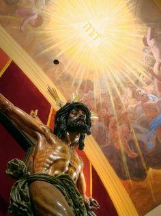 La cruz y la gloria