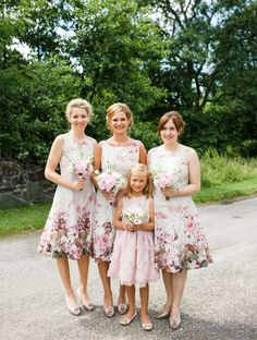 Snippets, Whispers and Ribbons – 5 Stunning Modern Vintage Summer Bridesmaids Looks