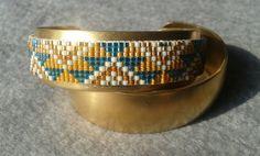Bracelet perles tissées par NeYvaShop sur Etsy