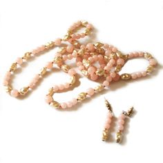 Necklace Earring Set, Pink and Faux Fresh Water Pearl Necklace and... (€12) ❤ liked on Polyvore featuring jewelry, earrings, vintage earrings, lightweight earrings, long beaded earrings, vintage jewelry and artificial jewellery