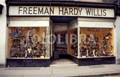Freeman Hardy Willis, I loved this shop 1970s Childhood, My Childhood Memories, Rising Damp, Nostalgia, Old Shows, Ol Days, My Memory, The Good Old Days, Vintage Ads