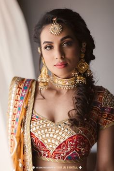 Stunning Chokers You Can Wear At Your Intimate Wedding At Home! Indian Wedding Photos, Indian Bridal Outfits, Indian Wedding Planning, Indian Wedding Jewelry, Bridal Jewellery, Indian Jewelry, Bridal Dresses, Lehenga Jewellery, Glamorous Makeup