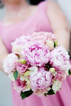 Real Wedding: Sarah & Lance - The Bride's Cafe; Photography: Angela Stott