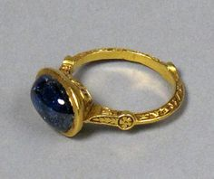 "Antique Jewelry A century gold and sapphire ring. An inscription along the inside reads something along the lines of ""Rufus of York, singer of the Episcopal City. Renaissance Jewelry, Medieval Jewelry, Ancient Jewelry, Antique Jewelry, Vintage Jewelry, Antique Necklace, Jewelry Gifts, Jewelery, Jewelry Accessories"