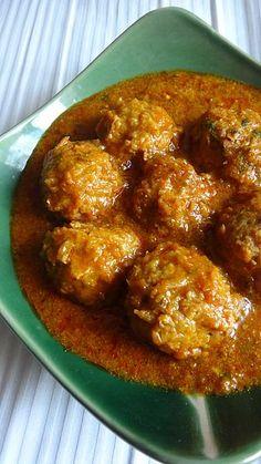 Lauki Kofta Curry - A Wonderful Bottle Gourd Recipe Curry Recipes, Vegetable Recipes, Vegetarian Recipes, Cooking Recipes, Kofta Recipe Vegetarian, Vegetarian Cooking, Spicy Recipes, Delicious Recipes, Breakfast