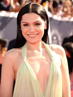Pin for Later: Every Head-Turning Hollywood Hair and Makeup Look From the MTV VMAs Jessie J Jessie's inky black hair was the perfect contrast to her alabaster skin tone and natural makeup palette.