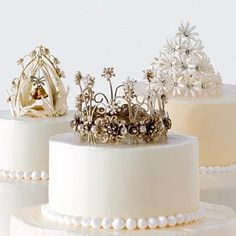 Well of course a cake should have a crown!.