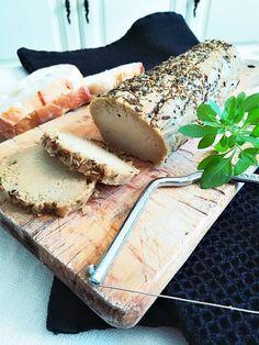 Fauxmage façon bûche de chèvre aux herbes de provence Fromage Vegan, Greens Recipe, Lactose Free, Vegan Cheese, Raw Food Recipes, Queso, Tofu, Food Videos, Delish