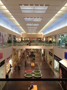 Northpark Center: great upscale shopping mall - VJ