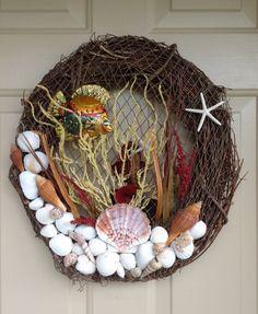 Shell Wreath, Fish Wreath, Fishnet Wreath, Coastal Wreath, Beach images ideas from Beautiful Beach Photos Coastal Wreath, Seashell Wreath, Nautical Wreath, Seashell Art, Seashell Crafts, Coastal Decor, Beach Wreaths, Coastal Interior, Wreath Crafts