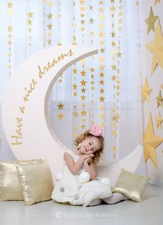 Shears and stars Baby Shower Photo Booth, Baby Shower Photos, Decoration Photo, Photo Zone, Xmax, Ideias Diy, Christmas Photography, Photo Booth Backdrop, Pajama Party
