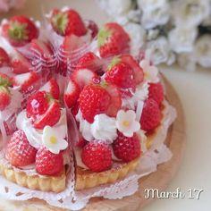 いいね!1,867件、コメント82件 ― Michikoさん(@michico.hi)のInstagramアカウント: 「いちごいちごいちご #いちご #タルト #苺 #紅ほっぺ #strawberries #tart #手作りケーキ #手作りお菓子 #ケーキ作り #お菓子作り #スイーツ #kaumo…」