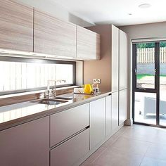 Want modern kitchen decorating ideas? Take a look at this larch finish kitchen with porcelain floor tiles from Kitchen Room Design, Modern Kitchen Design, Home Decor Kitchen, Interior Design Kitchen, Home Kitchens, Modern Design, Kitchen Layout, Kitchen Shop, Modern Kitchen Cabinets
