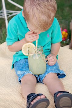 Schneider Family Lemonade Stand Mini Session | McPherson and Sterling Kansas Photography » Lisa Stout Photography