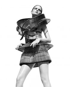 Capriole - Paris Haute Couture Show | Iris van Herpen