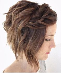 Wavy bob with twisted bangs for thin hair. wavy bob with twisted bangs for thin hair bob wedding hairstyles, bob updo Messy Hairstyles, Pretty Hairstyles, Medium Hairstyles, Hairstyle Ideas, Hairstyles 2016, Hair Ideas, Latest Hairstyles, Natural Hairstyles, Layered Hairstyles
