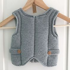 Pebble (Henry's Manly Cobblestone-Inspired Baby Vest) by Nikol Lohr. Knitting Room, Knitting For Kids, Hand Knitting, Baby Knitting Patterns, Baby Patterns, Baby Pullover, Baby Cardigan, Crochet Baby, Knit Crochet