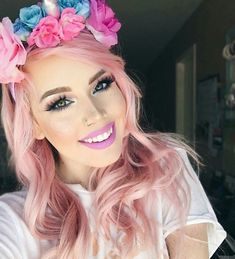 Image discovered by ReVeL 🌟 E X O. Find images and videos about girl, beautiful and pink hair on We Heart It - the app to get lost in what you love.