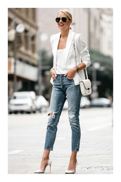 Fashion Jackson shows you how to wear a white blazer, even during the hot summer. Paired with denim and pumps for an effortless outfit. Blazer Outfits Casual, Blazer Outfits For Women, Blazers For Women, Womens Jeans Outfits, White Outfits For Women, Ladies Blazers, Mode Outfits, Jean Outfits, Fashion Outfits