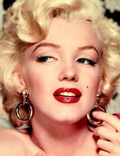 History of makeup through the decades - view here - element 9