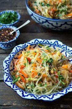 Glasnudelsalat mit buntem Gemüse   Madame Cuisine Rezept