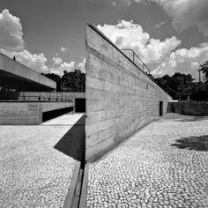 Paulo Mendes da Rocha MuBE. Image © Nelson Kon. Cortesia de RIBA