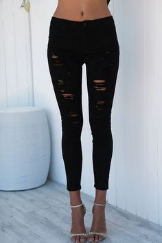 Betty Black Jeans ripped fashion style