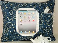 iPad Pillow, doing this for sure!