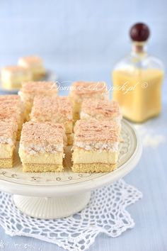 Kokosowiec z kremem ajerkoniakowym Homemade Cakes, Vanilla Cake, Sweet Recipes, Ale, Cheesecake, Food And Drink, Sweets, Cook, Deserts