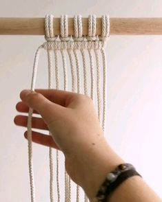 Macrame Tutorial Clove Hitch Knot by TamarThingsYou can find Macrame tutorial and more on our website.Macrame Tutorial Clove Hitch Knot by TamarThings Macrame Plant Hanger Patterns, Macrame Wall Hanging Patterns, Macrame Plant Hangers, Free Macrame Patterns, Macrame Design, Macrame Art, Macrame Projects, How To Do Macrame, Macrame Jewelry