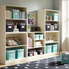 Stapeln Sie mich bis 5 Cubby Set einfach wei Stack Me Up 5 Cube Set PBteen Staple mich 5 W rfel Set PBteen Small Space Bedroom, Small Spaces, Kid Spaces, Playroom Organization, Organized Playroom, Organizing Toys, Organizing Ideas, Bookcase Shelves, Bookcases