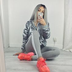 con un sueter adidas luciras super a la moda Dope Fashion, Fashion Killa, Urban Fashion, Womens Fashion, Dope Outfits, Casual Outfits, Fashion Outfits, Sexy Bikini, Amanda Khamkaew