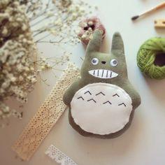 Totoro Sonriente Verde. Smiling Totoro.