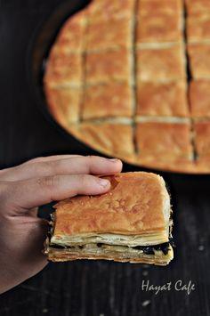 El Açması Ispanaklı Börek - Hayat Cafe Kolay Yemek Tarifleri