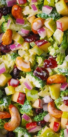 Winter Salad: Broccoli Cashew Apple and Pear Salad with Cranberries and chopped red onions with the most delicious homemade salad dressing made with mayonnaise sour cream (or kefir or Greek yogurt) honey and lemon juice! Vegetarian Recipes, Cooking Recipes, Healthy Recipes, Healthy Meals, Salad Bar, Soup And Salad, Quinoa Salad, Cashew Apple, Apple Pear