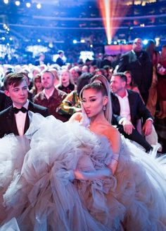 Ariana Grande attends the Annual GRAMMY Awards on January 2020 in Los Angeles, California. Get premium, high resolution news photos at Getty Images Ariana Grande Photoshoot, Ariana Grande Images, Ariana Grande Grammys, Ariana Grande Disney, Canciones Ariana Grande, Girls Tumblrs, Jennifer Lopez, Ariana Grande Wallpaper, Dangerous Woman