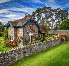 A beautiful stone cottage near Crickhowell, Wales. A beautiful stone house near Crickhowell, Wales. Fairytale Cottage, Storybook Cottage, Garden Cottage, Stone Cottages, Cabins And Cottages, Stone Houses, Stone Cottage Homes, Cottages And Bungalows, Cottage Shabby Chic
