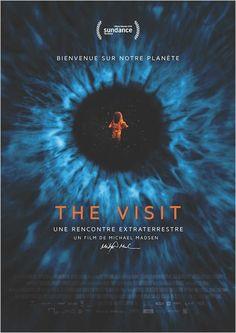 """THE VISIT - UNE RENCONTRE EXTRATERRESTRE. Un événement encore inédit : première rencontre de l'homme avec une forme de vie intelligente venue de l'espace. Avec le """"Bureau des affaires spatiales de l'ONU"""" et des experts d'agences spatiales, le film explore le scénario d'un premier contact."""