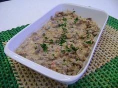 1 colher (sopa) de azeite de oliva  - 1/2 kg de alcatra cortada em iscas  - 1/2 xícara (chá) de água fervente  - 1 cebola média cortada em cubos médios  - 1 tomate médio cortado em cubos médios  - 3 fatias de abacaxi picado em cubos pequenos  - 1 pote de maionese HELLMANN?S Deleite (400 g)  - 1 colher (sopa) de cheiro-verde picado  -