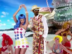 Katy Perry's Dot Dress! I think I'm gonna do it! :D Need a white dress and a blue wig lol